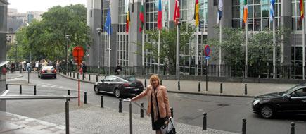 Turanova-v-Bruseli.jpg