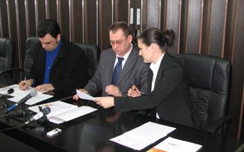potpisivanje-juznobacki-okrug-2.jpg
